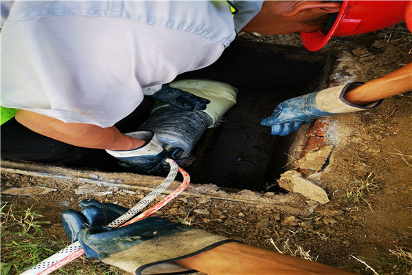 无锡滨湖区马山管道整管修复施工方法