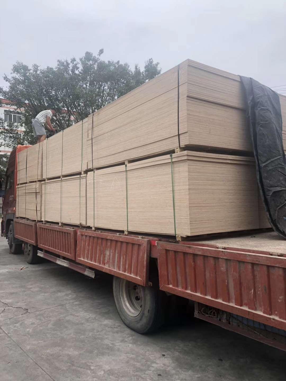 深圳横岗深圳横岗通辽13米板车9米6高栏车回头车运输