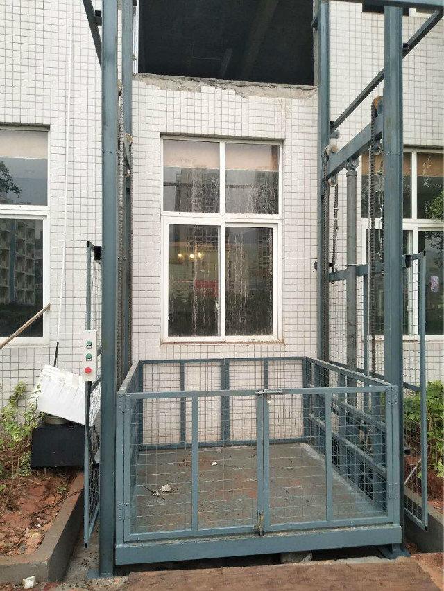 安康導軌是貨梯/兩層升降貨梯制造
