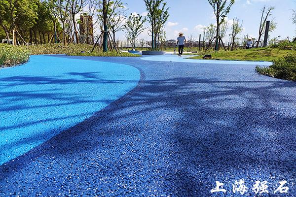 三沙优质露骨料透水混凝土公司