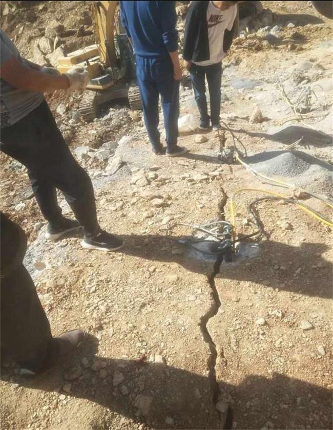 铜陵狮子山煤矿涵洞掘进小型破石机