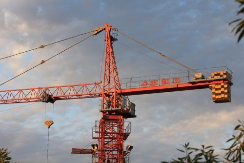 云南省建筑塔吊驾驶员证考是不是全国通用的报考价格有优势r
