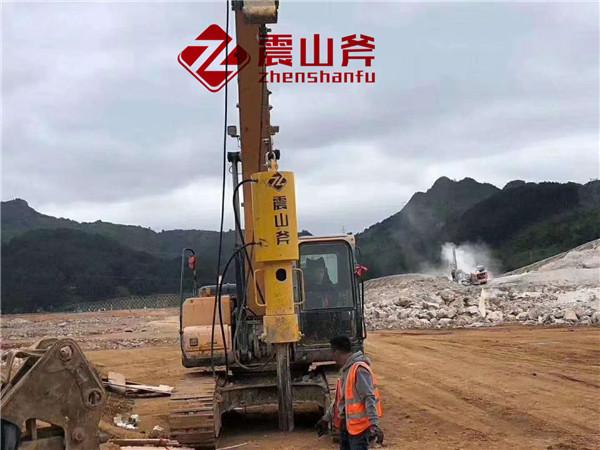 呼和浩特武川石场大型分裂机青石开采设备