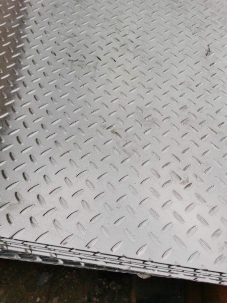 眉山热轧花纹钢板可加工