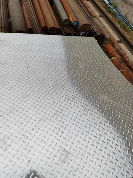 甘肃生产:热镀锌槽钢现货