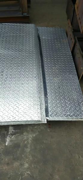 九江2mm热镀锌花纹板可生产