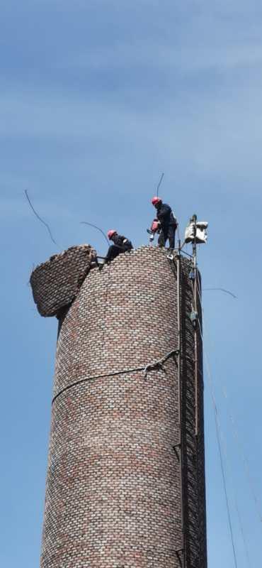 2021噶尔烟囱拆除公司有高空资质施工队