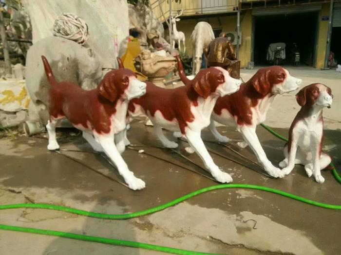 圆雕狼狗雕塑厂家-景区雕塑-镀锌板狼狗雕塑厂家