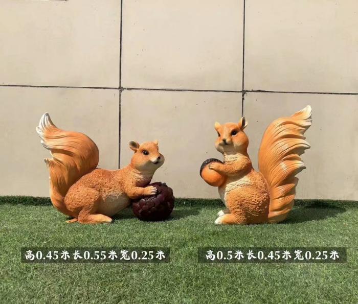 松鼠雕塑服务商-美陈体系-固体松鼠雕塑厂家