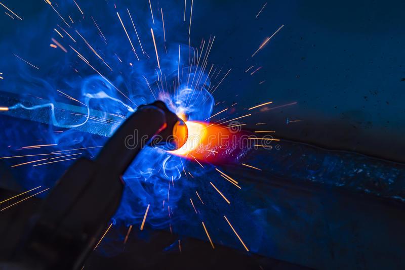 三亚想问下考电焊工证在哪里报名过程【通用版】