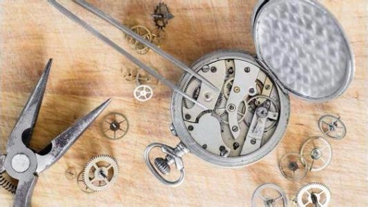 西安沛纳海手表维修点电-话