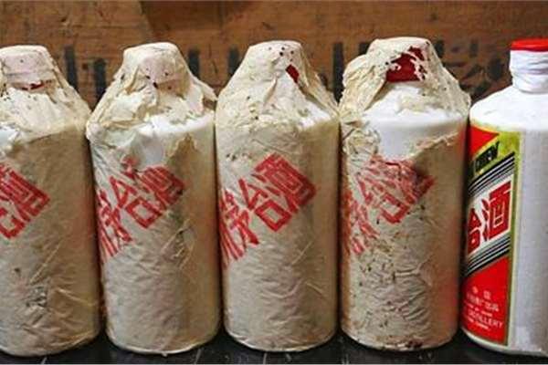 哪里有附近哪里回收茅台酒,茅台30年回收,老酒五粮液回收上门回收价格