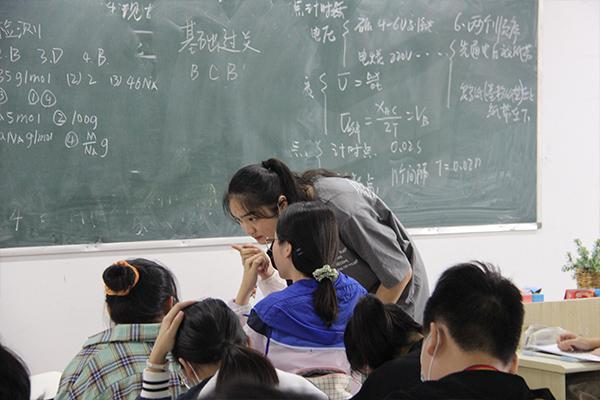 河南省新乡市如果中考落榜了怎么办收费多少