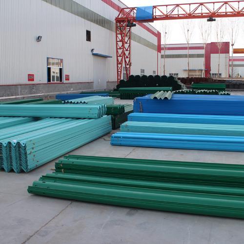 青岛度波形护栏板规格及价格