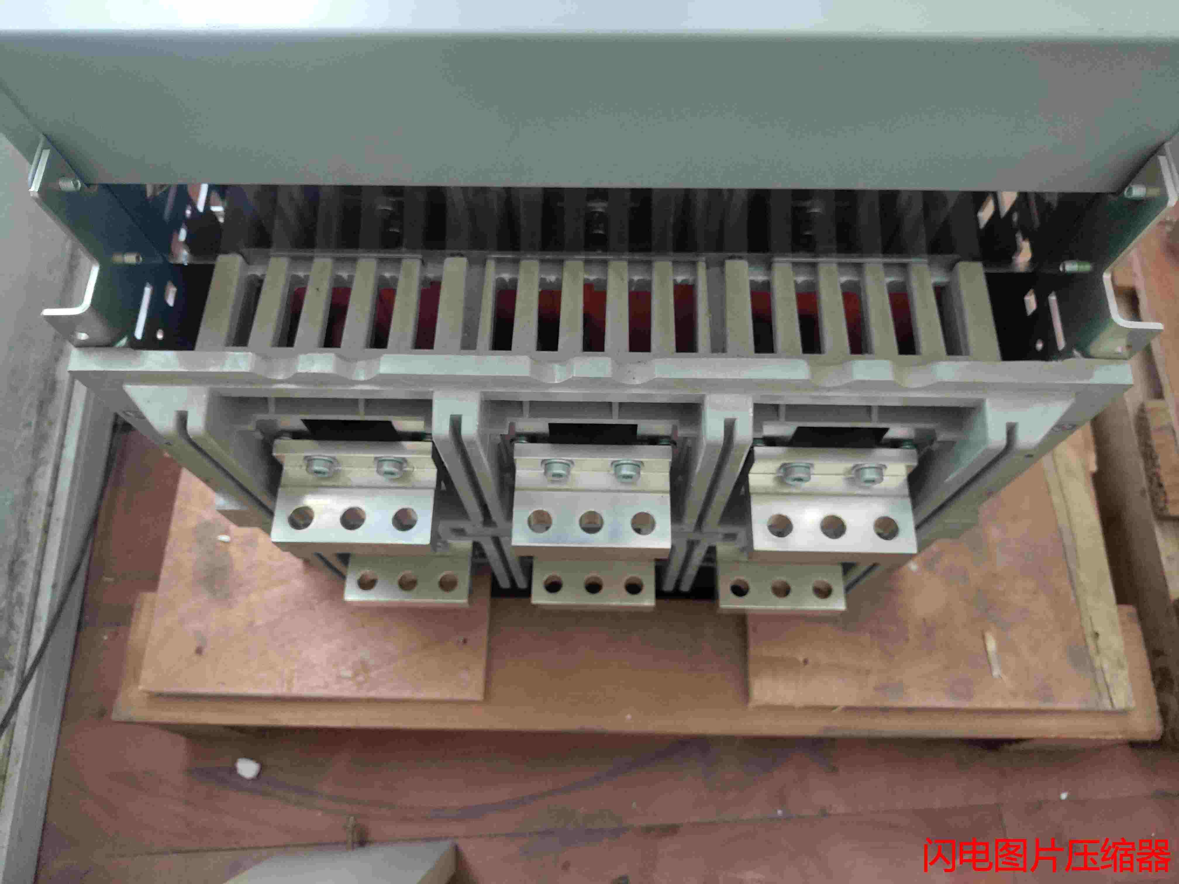 代理销售施耐德MT12 H2 3P F MIC 2.0A 1250A断路器