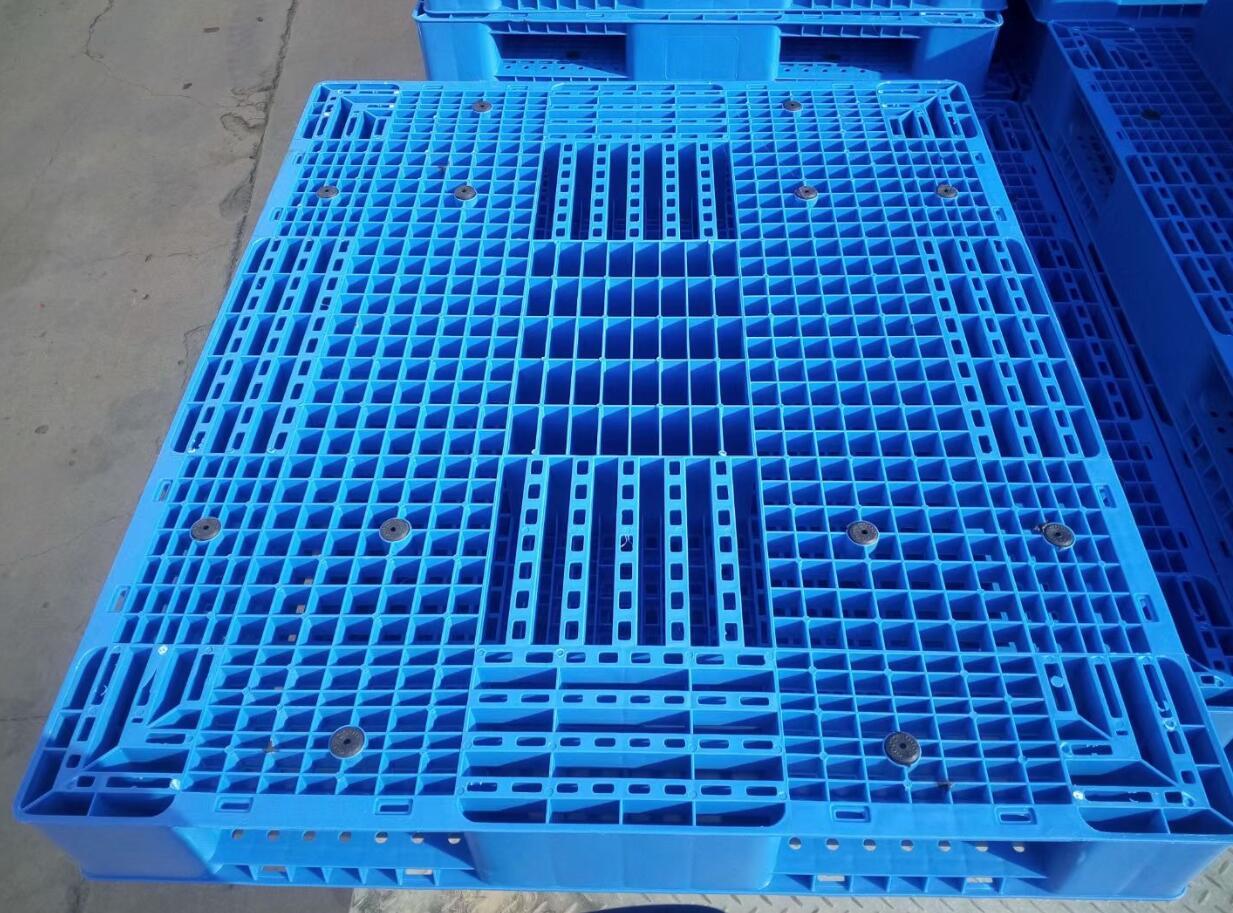 永胜塑料托盘回收料