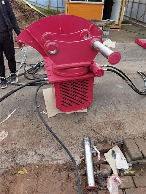 开福区:液压原理挖机锯岩石机【年前优惠】几天到货