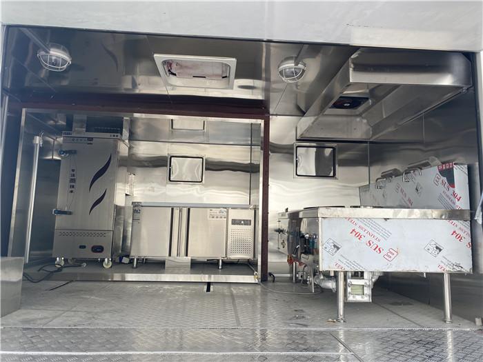 岳阳岳阳城市流动东风多利卡餐车 轻松创业车 流动厨房车