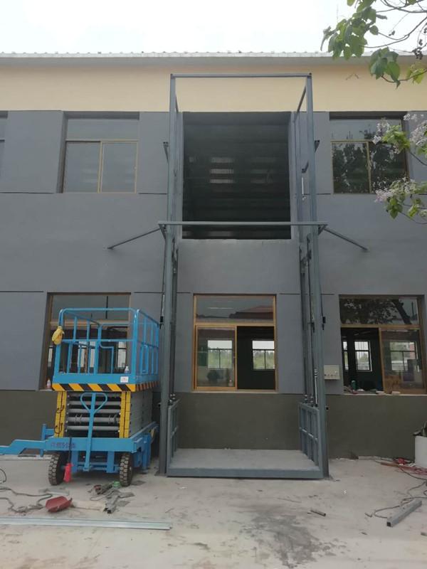 升降货梯:铜鼓县购买库房载货货梯尺寸