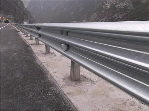 无锡市江阴市2021乡村公路护栏板~护栏板厂家
