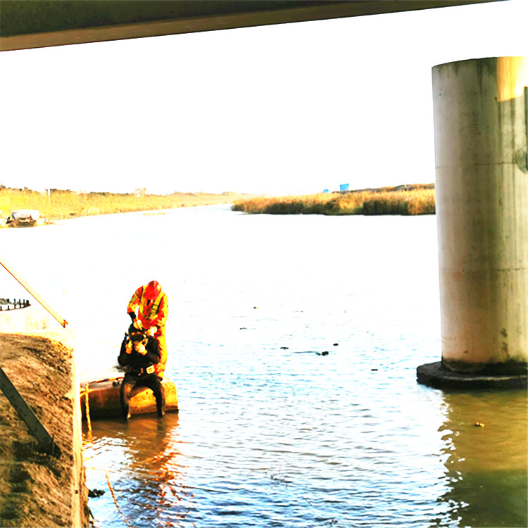 上高蛙人水下砌墙、潜水拆除施工队专业队伍