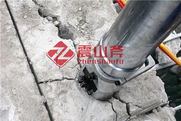 大庆杜尔伯特石灰石开采机械液压辟裂机劈石一天多少方