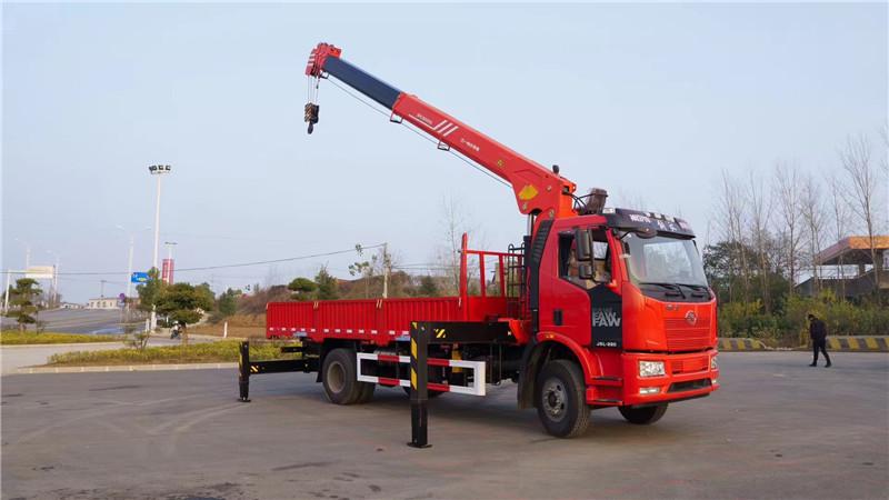 湘西土家族苗族自治州陕汽6.3吨随车起重运输车图片和配置
