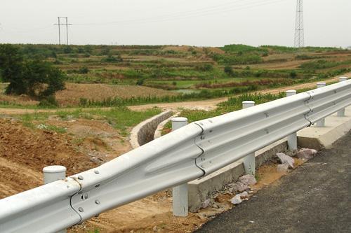 佳木斯市向阳区2021公路波形护栏板-包工包料