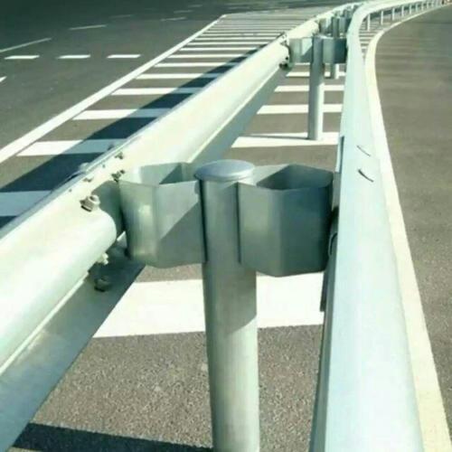 信阳市光山县2021公路波形梁护栏`质量保证