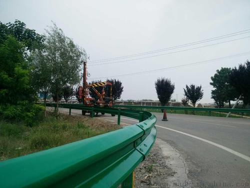 防城港市上思县2021公路波形护栏板-现货直发