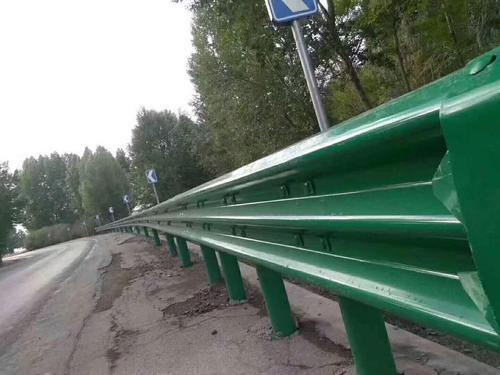 佳木斯市抚远县2021公路波形护栏板`多少钱一米