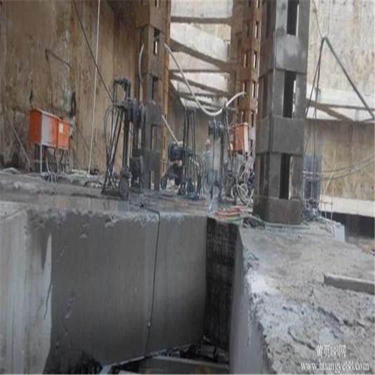 潍坊高速防撞墙切割拆除施工解决方案