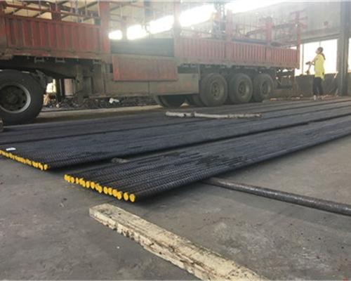 福州830MPa精轧螺纹钢(长度13米)