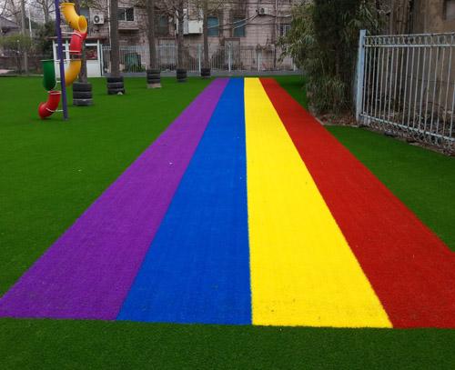 (2021年新价格新产品)幼儿园人造草坪效果图片(襄阳订单案例实拍)(厂家联系方