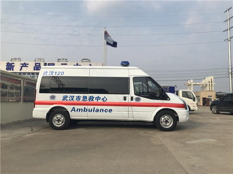 口碑廠家福特新全順負壓救護車多少錢一輛