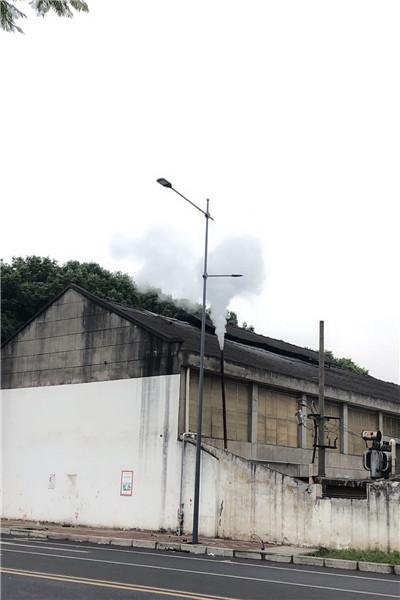 维西室外防水监控机箱  监控支架立杆_厂家定制销售