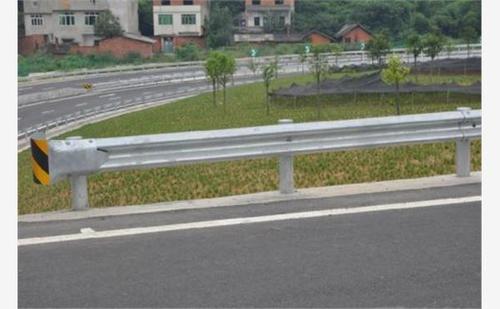 滨州市惠民县2021公路波形护栏板每米价格