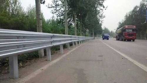山南地區桑日縣2021公路波形護欄板~每米價格