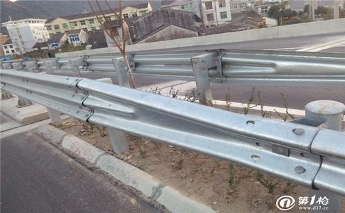 深圳市盐田区2021公路波形护栏板生产厂家直销