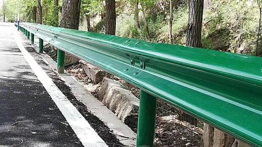 宝鸡市岐山县2021公路波形护栏板生产厂家直销