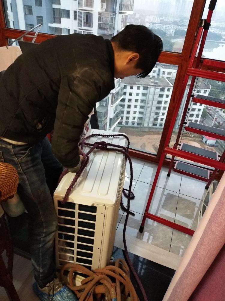 (欢迎光临)朝阳区工体空调维修空调加氟/全区快速响应上门