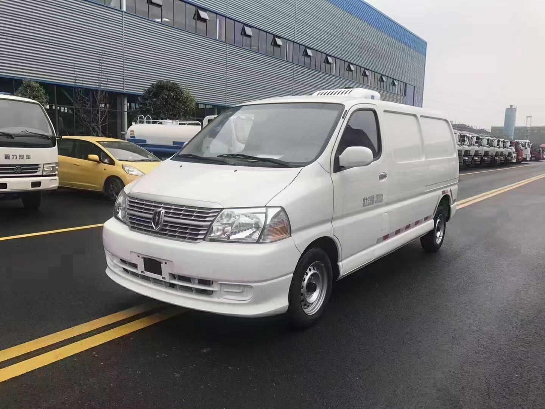 甘南迭部东风多利卡4.2米冷藏运输车程力冷藏车资料