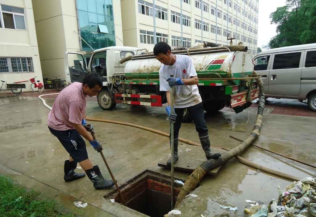 合肥政务区清理化粪池--技术高超