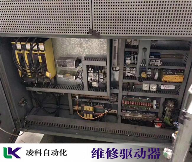 鲍米勒伺服驱动器灯红色,指示灯一直闪维修规模大