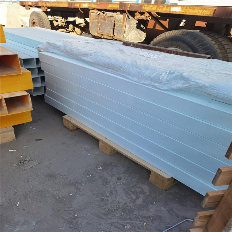 台前县玻璃钢界桩订制厂家
