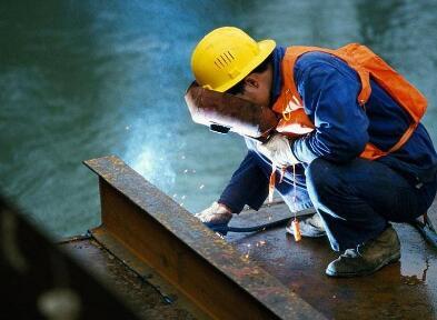 鹰潭市信誉好供水设备维修工证轻松应对应该怎么措施