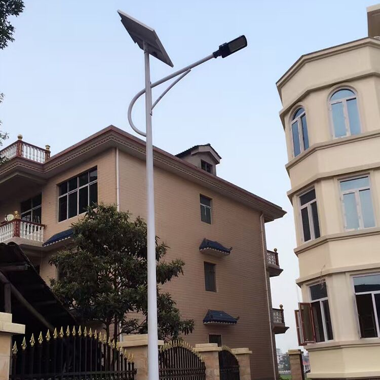 魏县农村6米太阳能路灯40瓦含运费价格