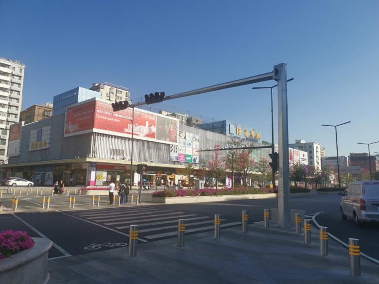 梅州丰顺地铁锦上花园双国企联袂打造,匠心实力巨作;下楼即繁华,自带4.7万㎡旗舰