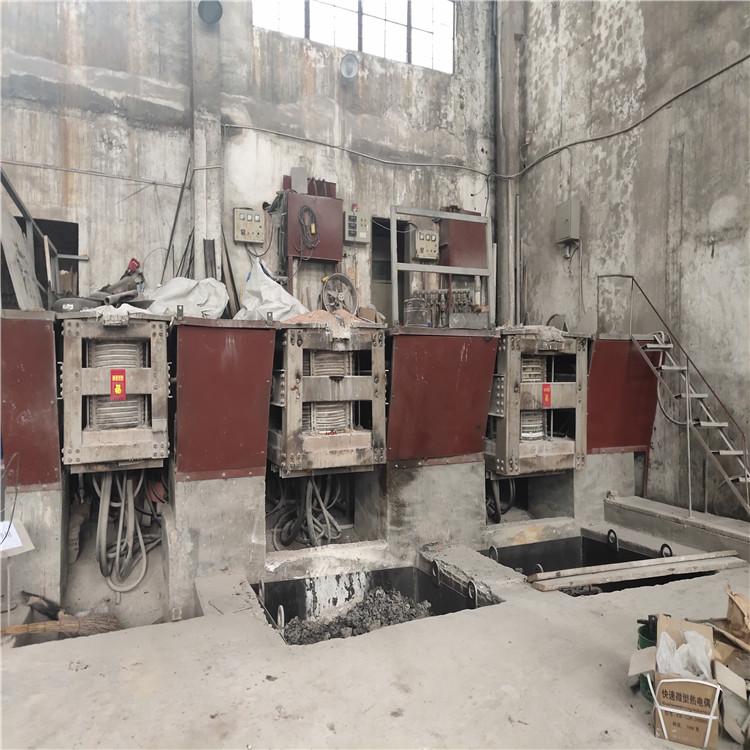 湖滨ZGCr26Ni12耐热钢铸造厂铸造托辊座