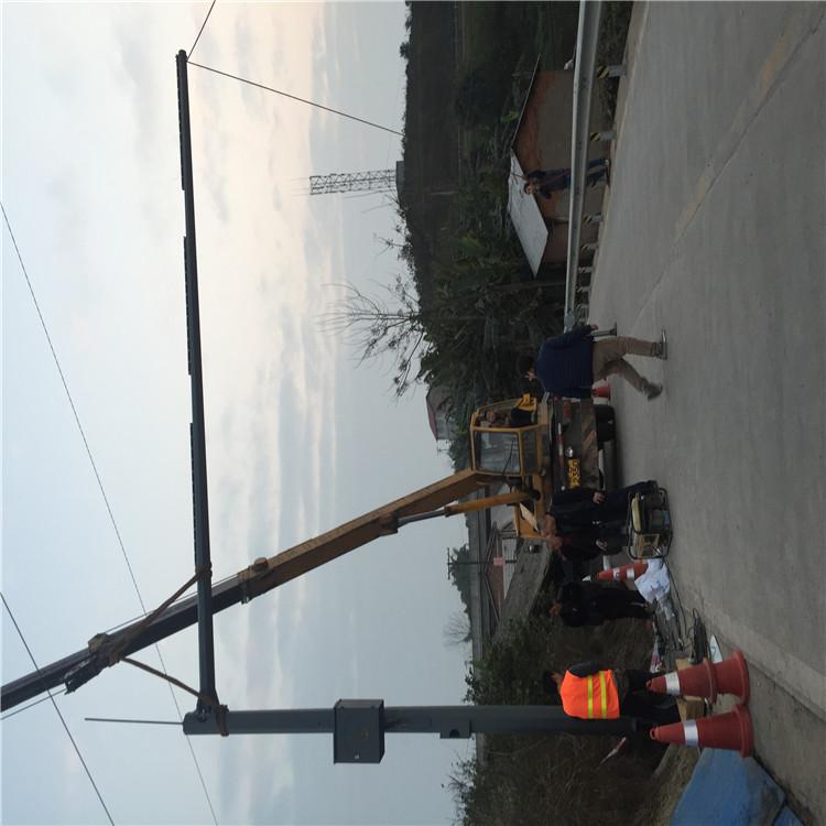 东川抓拍监控杆  摄像头监控支架立杆_自有工厂制作